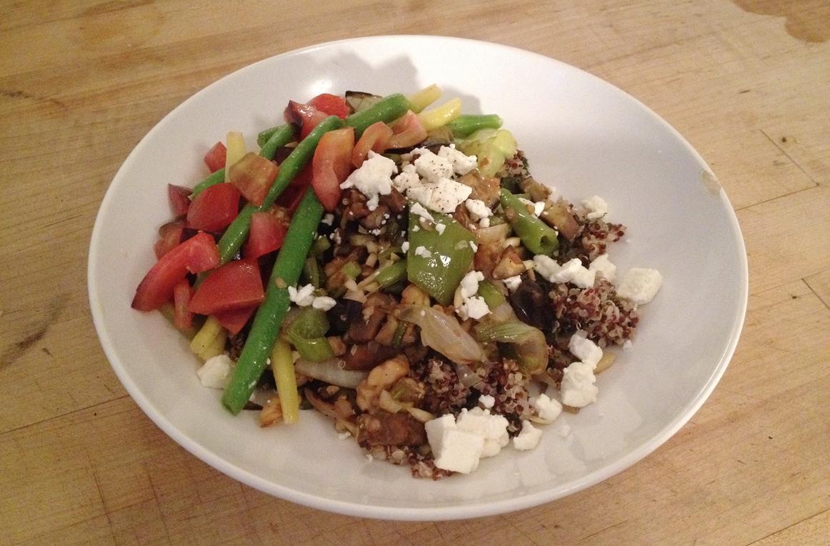 Mediterranean Quinoa Bowl | the petite beet